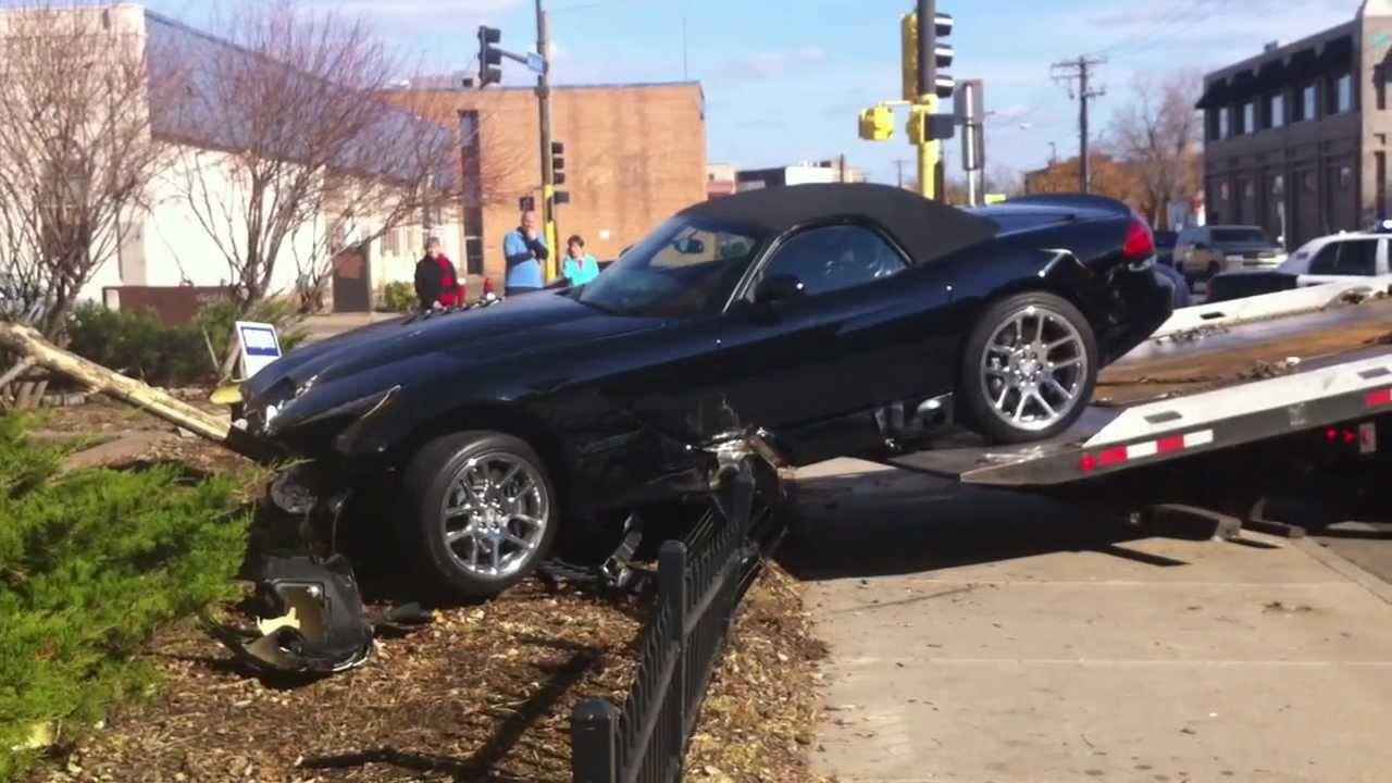 2012 BRAND NEW DODGE VIPER CAR CRASH ACCIDENT Страшная ...