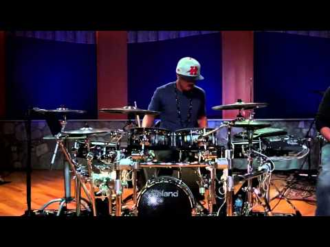 Tony Royster Jr. Drum Solo - Drumeo Edge (Solo #3 of 4)