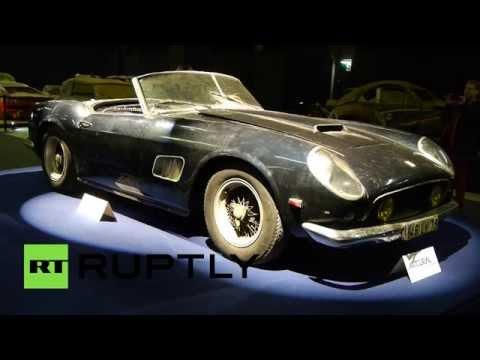 Во Франции проходит выставка бесхозных винтажных автомобилей
