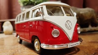 1963 Volkswagen T1 Bus 1:24 Scale Model by Welly - Unpacking