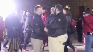 Alabama Fans Welcome The Football Team Back to Tuscaloosa
