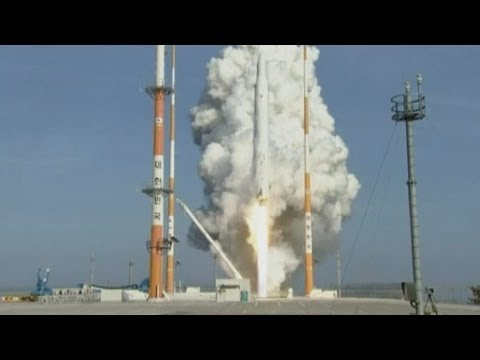Launch-pad footage: South Korea launches rocket into space