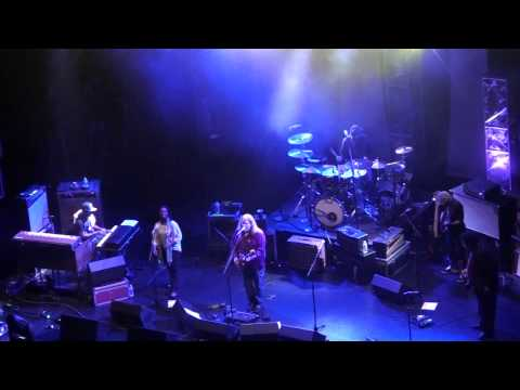 (HD) Warren Haynes Band - Soulshine - Beacon Theater - New York, NY - 5.12.11