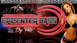 Mana Clavado en un Bar EPICENTER BASS