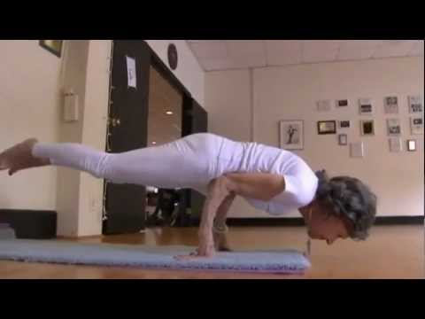 93 Year-Old Yoga Instructor Can Still Pose Perfectly