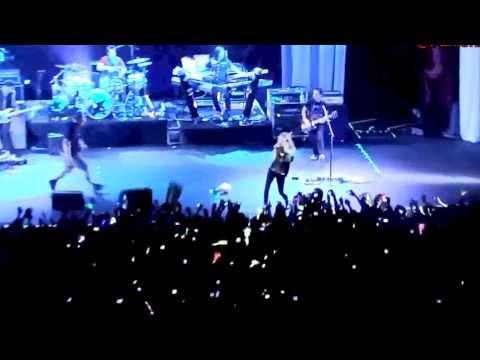 Avril Lavigne In Brazil 2014 - Esquadrão LBS