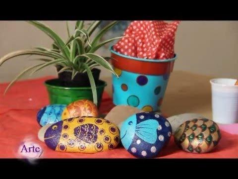 C mo decorar y pintar piedras con esmalte acr lico youtube - Como decorar el jardin ...
