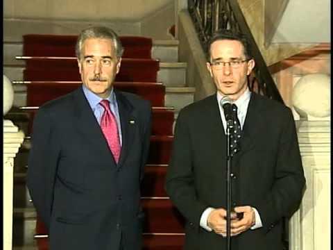 Reunión con el Presidente electo Álvaro Uribe Vélez -27 de mayo de 2002-