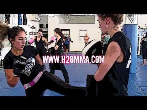 Montreal's #1 Women's Only Kickboxing Boot Camp - H2O MMA Image 1
