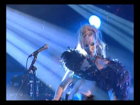 Anna And The Barbies - Ördögre Kacsintva [Live @ A38]