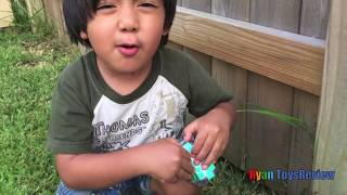 Ryan plays with Orbeez and Surprise Toys Challenge