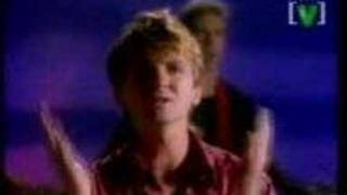 Watch Crowded House Nails In My Feet video