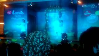 Larva Sing and Dance Live Show Part 1