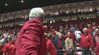Lobo fan throws trash at players after scuffle