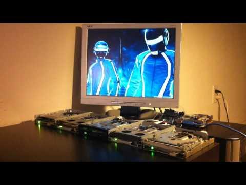 Derezzed de Daft Punk (Tron: Legacy) interpretado con 5 disqueteras