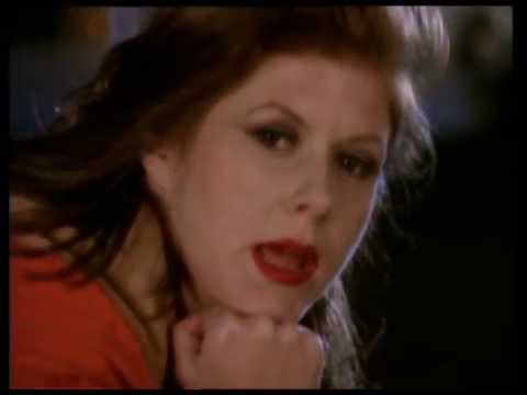 Kirsty MacColl - Walking Down Madison (UK Version)