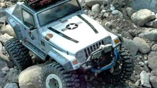 rc jeep rubicon in rock action