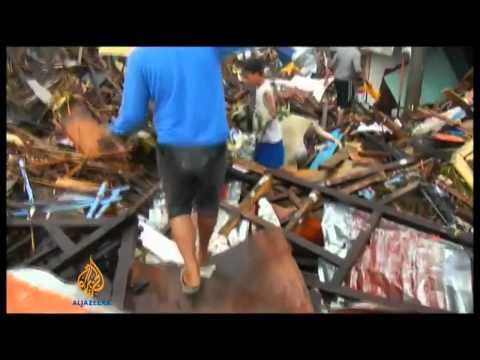 Super Typhoon Haiyan Yolanda Hits Philippines  RAW FOOTAGE  7