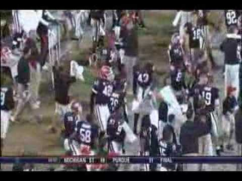 Georgia Bulldogs and CBS crew dancing at Auburn game 2007 Video