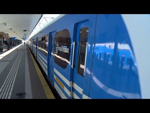 Randazzo viajó en los nuevos trenes de la línea sarmiento