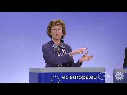Kroes wants broadband Internet for all Europeans by 2013