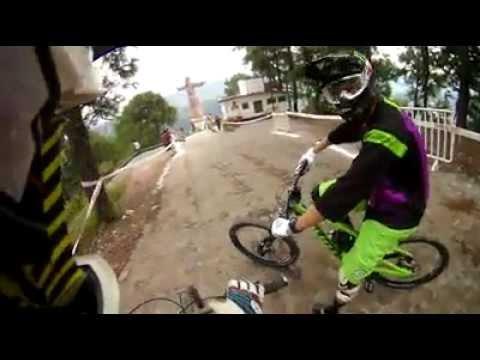 Down Hill Taxco 2012 recorrido de Mauricio Taka Acuña y  Brendan Fairclough