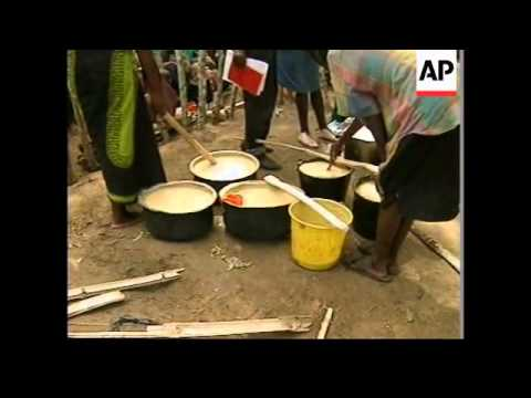 ZAIRE: FOOD IS FINALLY GETTING THROUGH TO REFUGEES