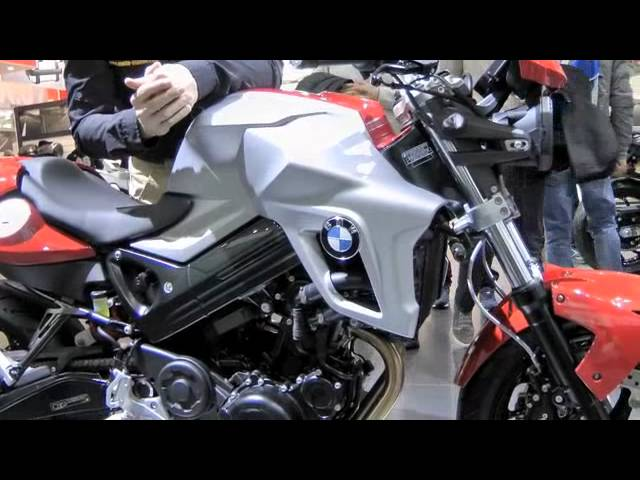Vid�o BMW F800R : Petit lifting entre amies