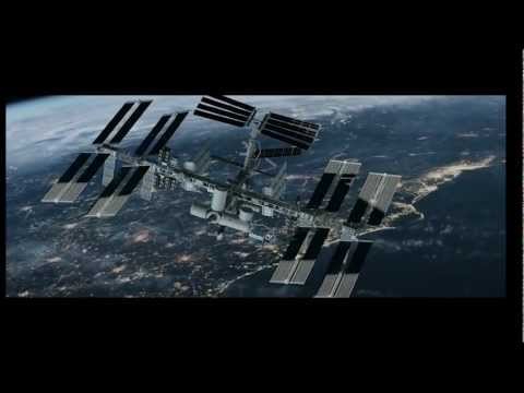 Trailer Iron Sky (2012) (Invaders must die – Prodigy)