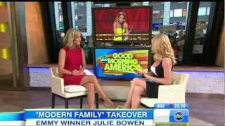 Julie Bowen - gorgeous and leggy - Good Morning America interview 1