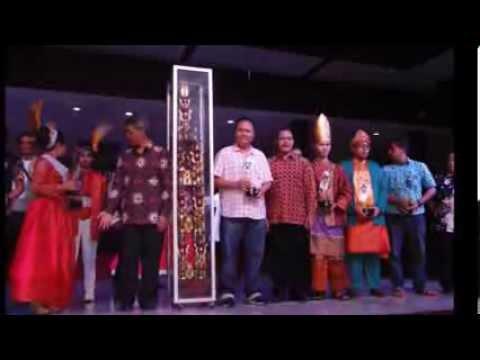 Tim Kesenian Batang Hari dalam Festival Lagu Daerah Nusantara Tingkat Nasional di TMII 2013