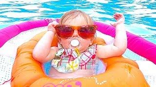 BABY POOL FASHION!