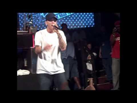 Eminem-On Fire (Live)