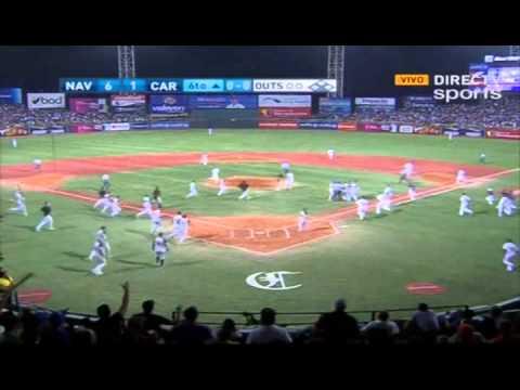 """El grande liga venezolano Carlos Zambrano haciendo honor a su apodo """"Toro"""" salió a embestir a golpes al lanzador de los Caribes de Anzoátegui. http://notitwe..."""