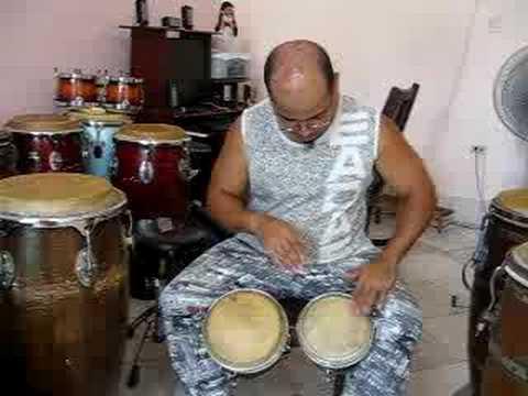 Bongo lesson with el Panga - martillo con improvisaciones