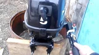 обкатка лодочного мотора тохатсу 9.8 в бочке