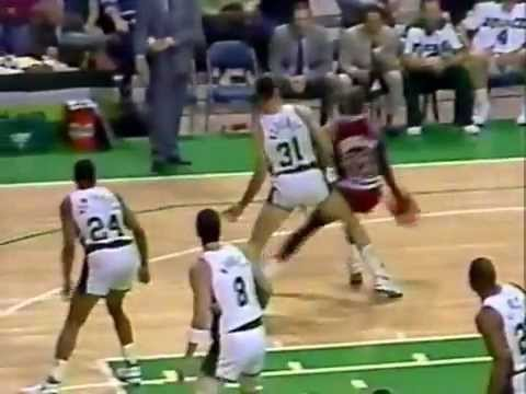 Greg Anderson Rejects Michael Jordan's Dunk