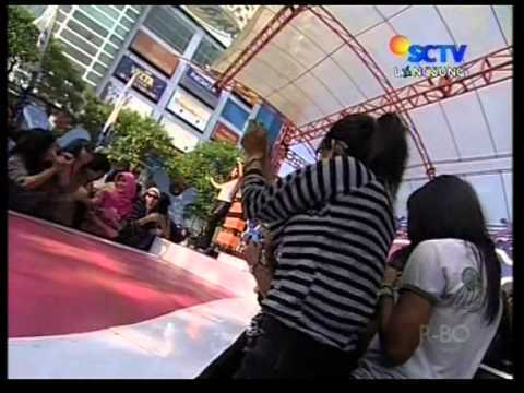 Melinda - Aw Aw,Live Performed Perdana Di INBOX (09/09) Courtesy SCTV