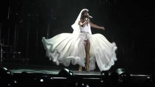 Beyoncé - Ave Maria Live In Athens,Greece (I Am...Tour) @ O.A.K.A. 11/08/09