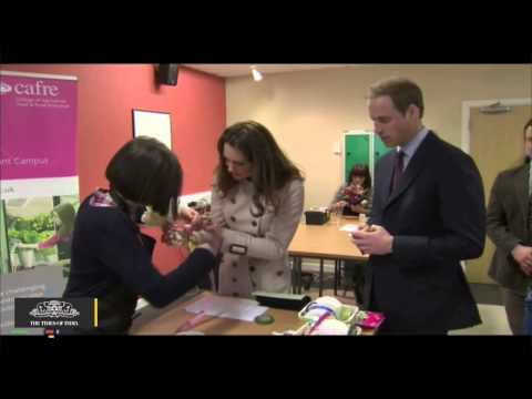 Did Prince William Just Diss Kate Middleton's Hair? - Toi video