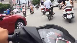 Winner 150cc chạy tốc độ cao gây náo loạn trên đường phố Hà Nội