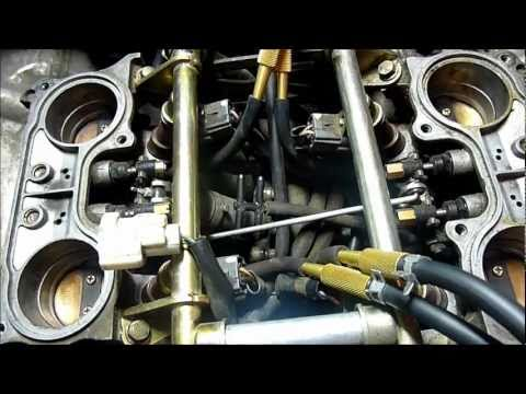 Synchronising the starter valves on 6th-generation VFR800