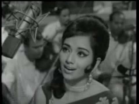 Lata - Humne Dekhi Hai -  Khamoshi [1969] video