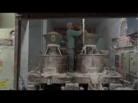 Roadside Flour Mill in Punjab India www.molcyt.com www.AoBBlog.com