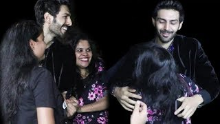 Girl Fans Go Crazy For Kartik Aaryan at Student of the year 2 Wrap up Party