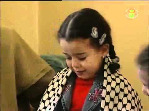 where is muslim - الطفلة الجزائريه التي أبكت الرجال  قوي جدا