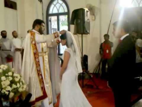 Roshen - Rev. Roshen V Mathews Conducting Marriage Of Bobby And Sunitha - Mar Thoma Wedding video