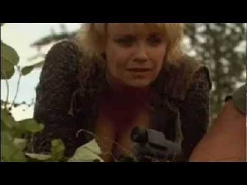 Stargate SG-1 Amanda Tapping Samantha Sam Carter Cleavage thumbnail