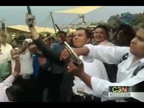 Con balas al aire amenizan fiestas en Santa María Aztahuacán, Iztapalapa.