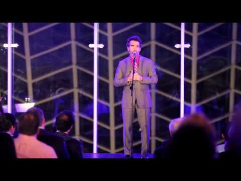 Brian D'Arcy James inspiring performance of Who I'd Be (Shrek) - Broadway sings for Amigos de Jesus